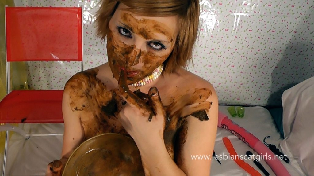 Livia the Extreme Scat Girl